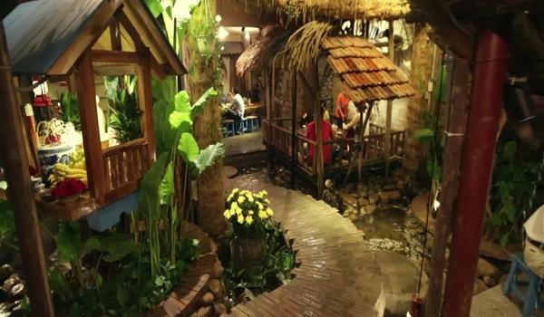 Quán ăn đẹp như tranh vẽ hút khách tại Hà Nội