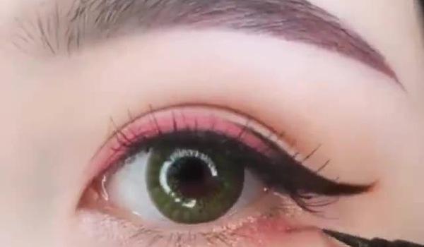Cách đánh mắt nhẹ nhàng tự nhiên lại xinh xắn cho chị em