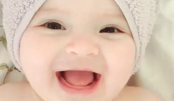 Em bé xinh như thiên thần 1
