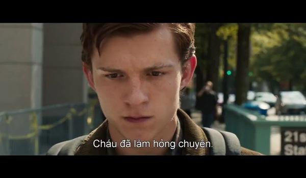 """Trailer """"Spider Man: Homecoming"""": Người Sắt đòi lột quần áo Người Nhện."""