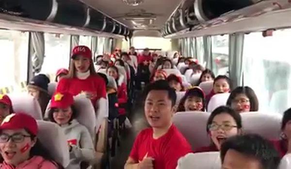 CĐV Việt Nam sang Trung Quốc cổ vũ tuyển U23