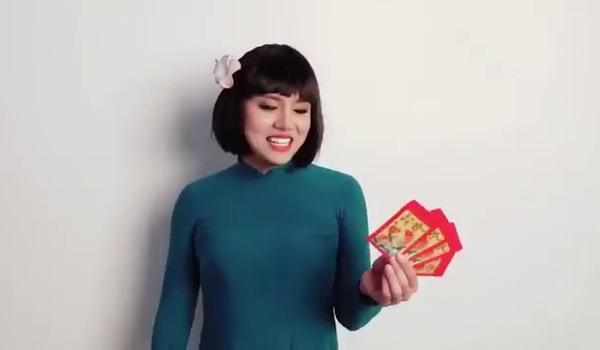 """Clip hài """"Cô giáo Khánh"""": Duy Khánh chúc Tết nguyên đán"""