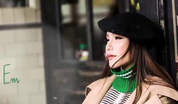 """Hồ Quỳnh Hương thể hiện ca khúc """"Tháng năm bên nhau"""" do Vũ Cát Tường sáng tác"""