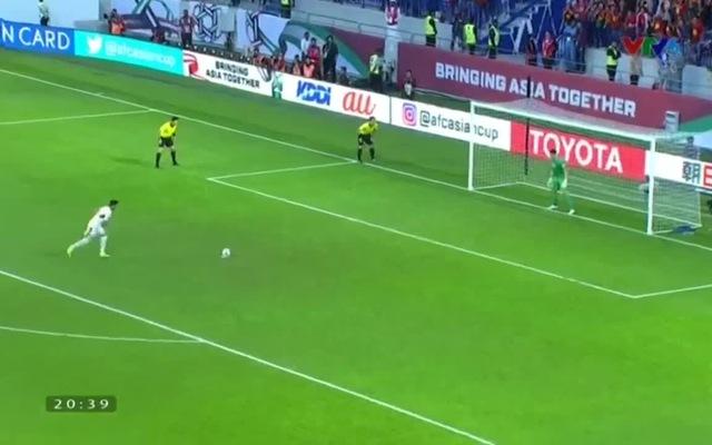 Văn Lâm gây áp lực lên cầu thủ Jordan