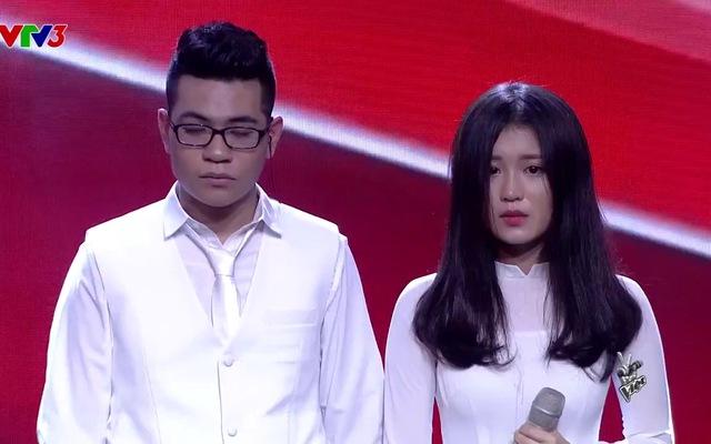 """Giọng hát Việt: Đông Nhi """"cứu"""" Han Sara"""