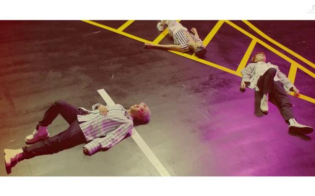 """""""Ko Ko Bop"""" MV - EXO"""