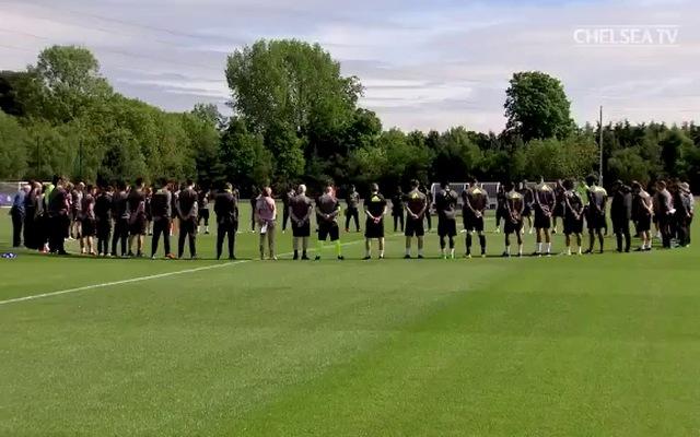 Chelsea mặc niệm cho nạn nhân trong vụ đánh bom ở Manchester
