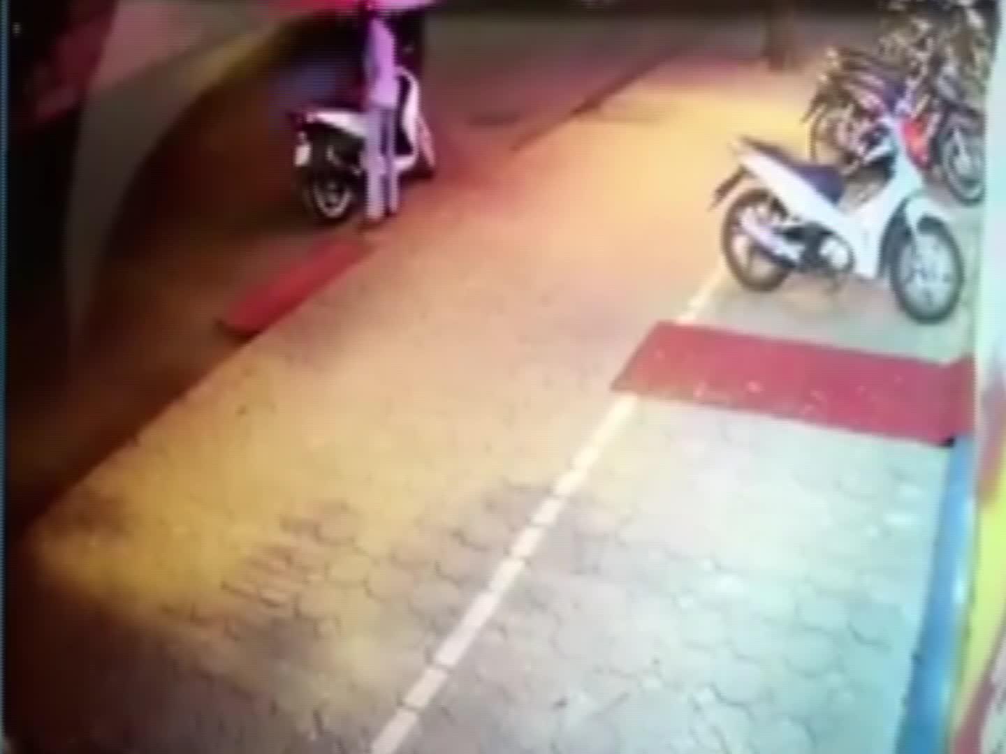 Trộm xe máy