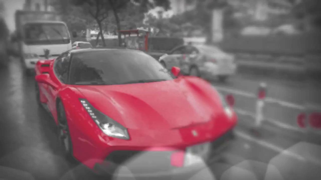 Ferrari 488 GTB độ pô Akrapovic tăng tốc mãnh liệt giữa phố Sài Gòn