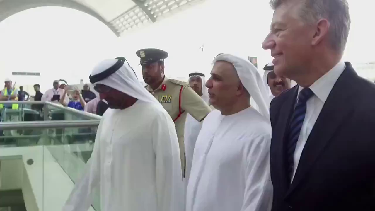 Dàn 50 chiếc taxi Tesla của Dubai