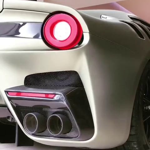 """Nghe tiếng pô ấn tượng của siêu xe Ferrari F12tdf """"Il Mostro"""""""