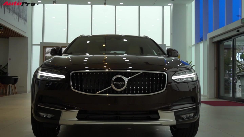 Cận cảnh Volvo V90 Cross Country giá 2,89 tỷ đồng tại Việt Nam