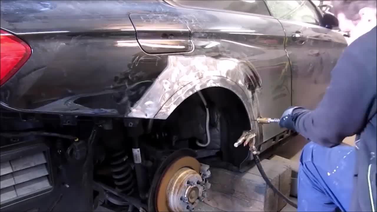 17 ngày hồi sinh BMW 3-Series từ sắt vụn