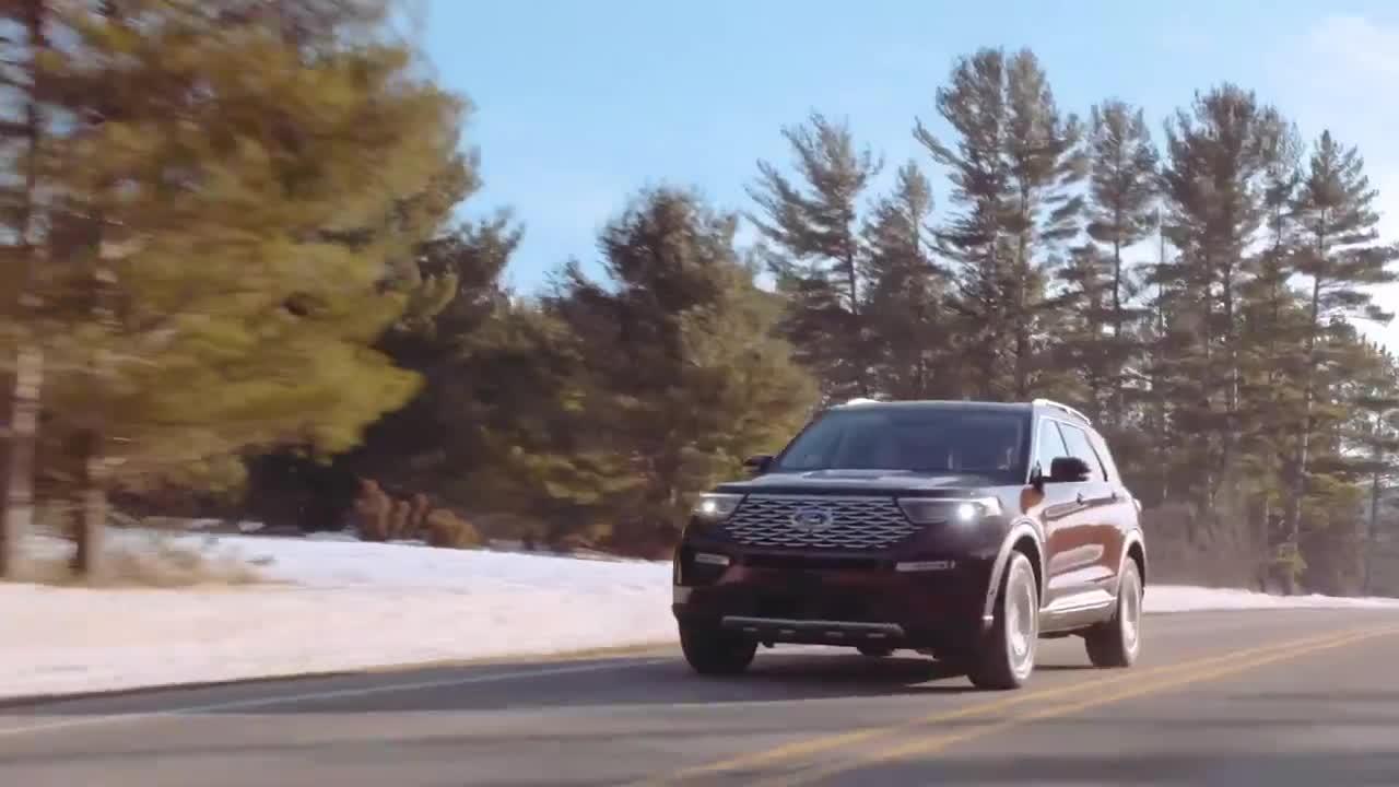 Ford Explorer 2020 càng đẹp hơn khi lăn bánh trên đường