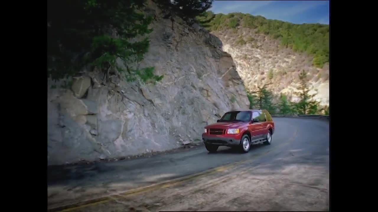 6 thế hệ Ford Explorer từ quá khứ tới hiện tại