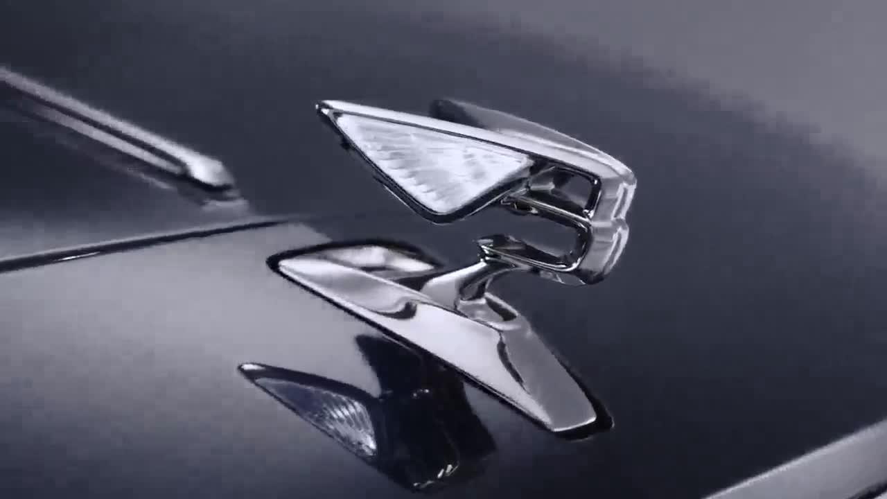 Tượng chữ B thò thụt trên Bentley Flying Spur 2020 giống như Rolls-Royce