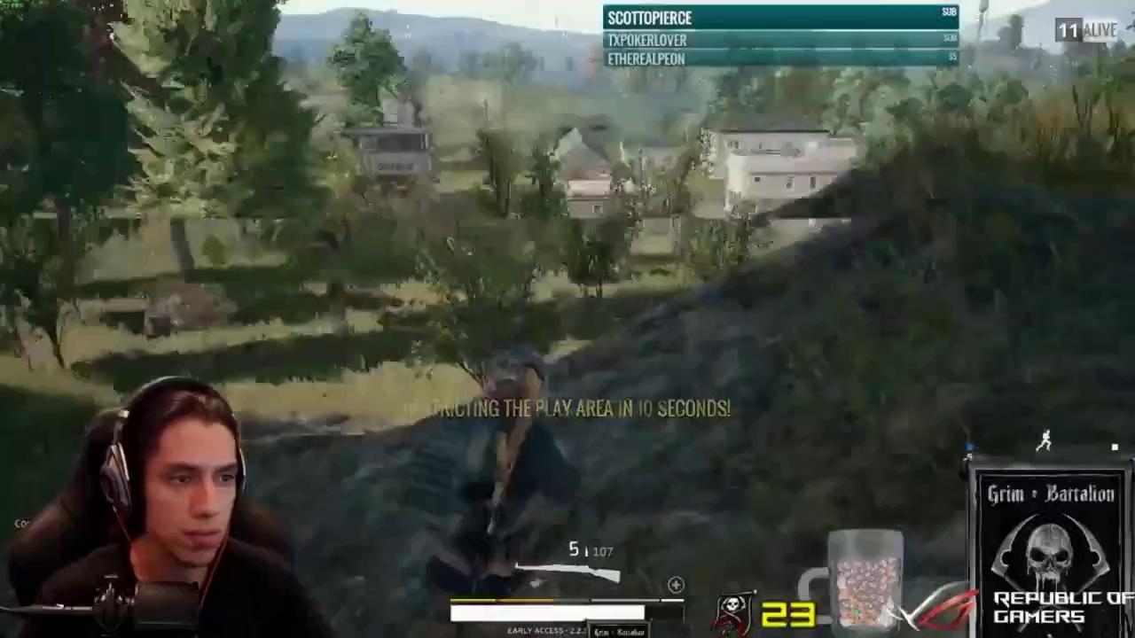 Tìm hiểu thân thế của Grimmmz - Nam game thủ đang khiến cộng đồng Việt Nam phát sốt vì bắn súng như thần