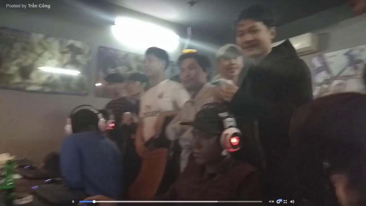 Game thủ Việt vỡ oà chiến thắng lịch sử của U23 ngay tại quán Net