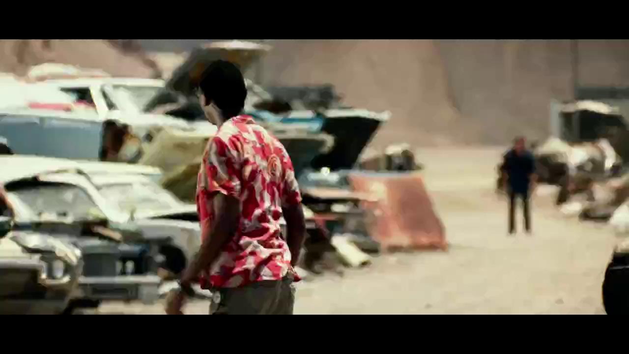 """Bumblebee """"tan rã thành từng mảnh"""" trong trailer mới của """"Transformers: The Last Knight"""""""