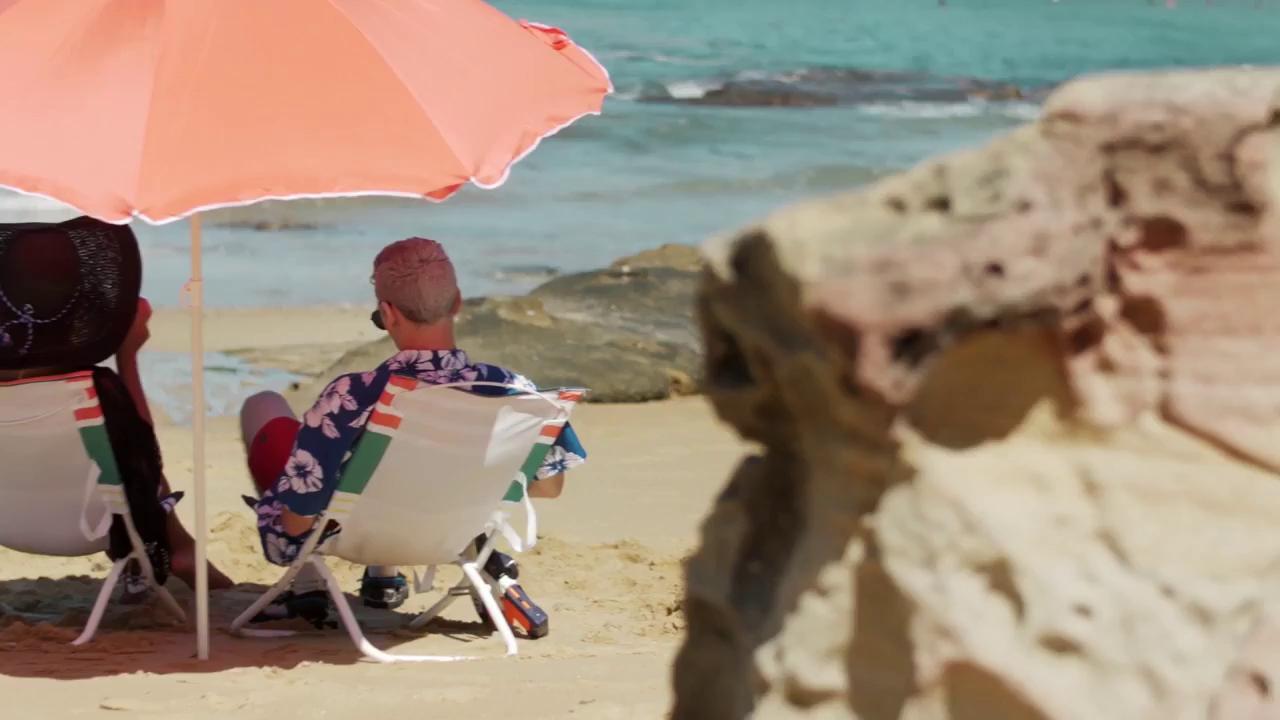 Live-Action Overwatch: Khi các hero hóa người thật, mặc đồ bơi nô đùa trên bãi biển