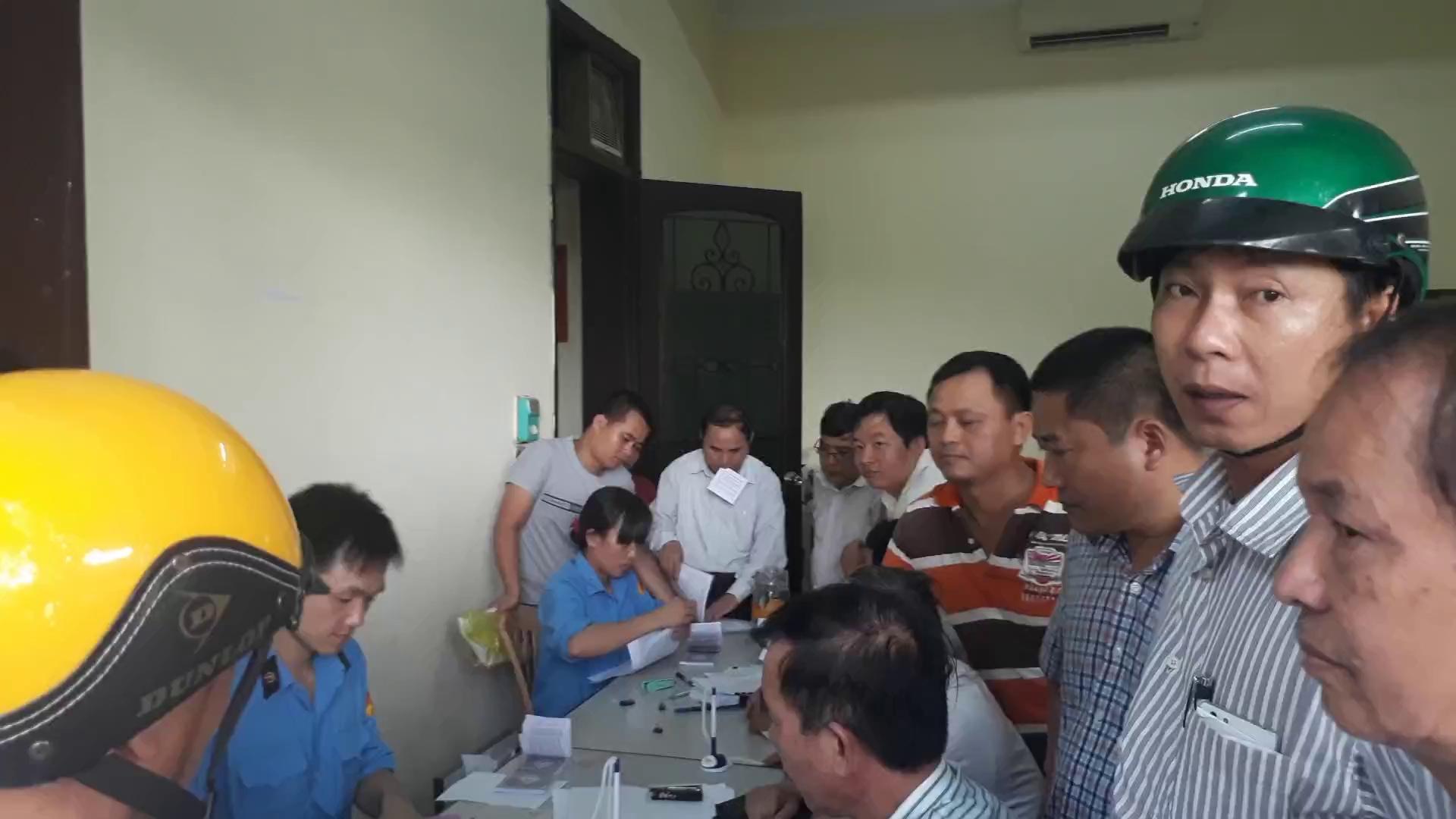 Bộ, tỉnh, DN đóng cửa họp kín về trạm BOT Bến Thủy