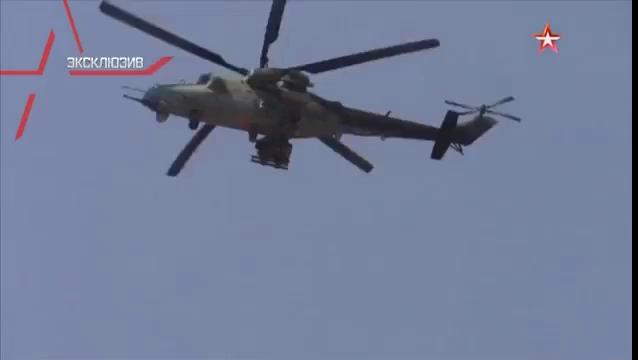 """Trực thăng tấn công Mi-28 """"Thợ săn đêm """" truy sát IS trong vòng vây trên vùng nông thôn tỉnh Hama, yểm trợ hỏa lực cho quân đội Syria tấn công - video TVZvezda"""