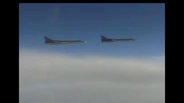 Máy bay ném bom chiến lược Tu-22M3 của Không quân Nga hủy diệt các mục tiêu của IS ở Syria.