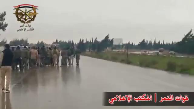 Cơ giới quân đội Syria ồ ạt đổ về đông Damascus, sẵn sàng cho cuộc tổng tiến công.