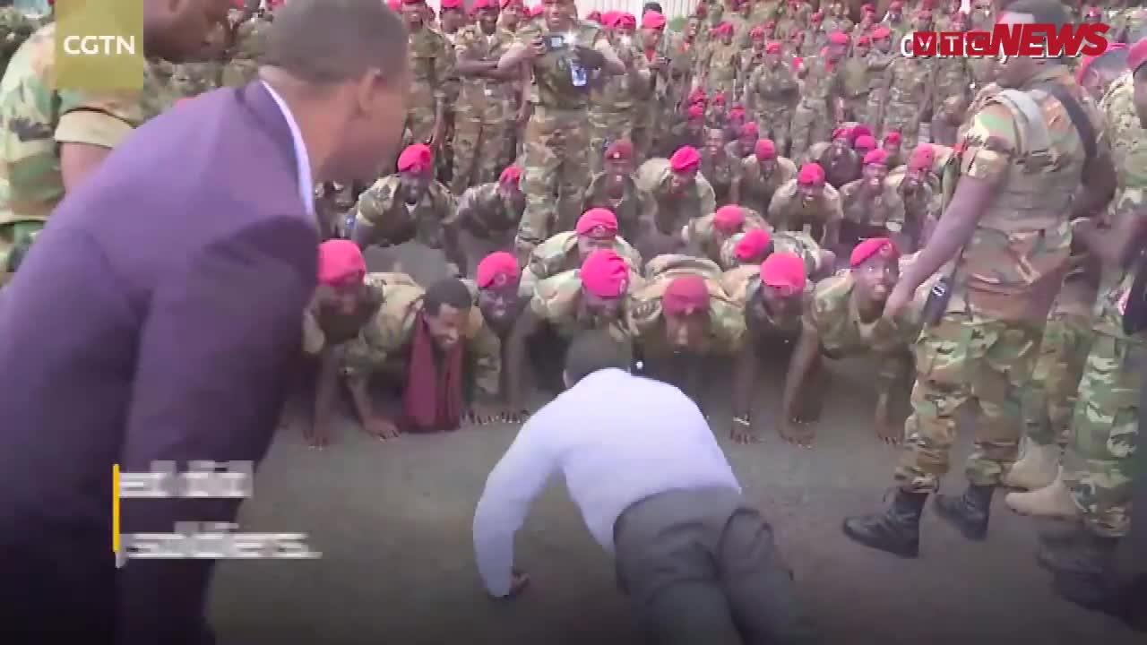 Binh sỹ biểu tình đòi tăng lương, Thủ tướng Ethiopia xoa dịu bằng cách có một không hai