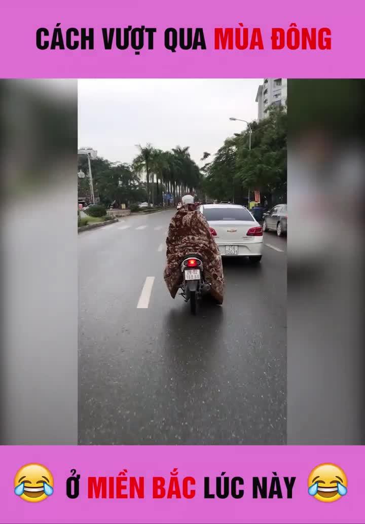 Người đàn ông 'nóng bỏng' nhất giữa trời đông Hà Nội