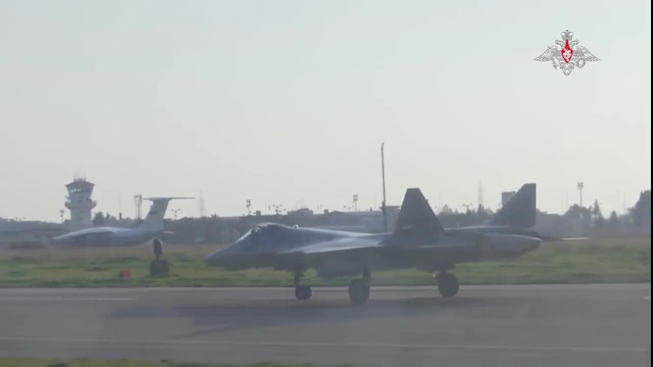 Video của bộ quốc phòng Nga về máy bay chiến đấu Su-57 ở Syria