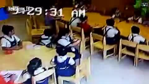 Video cô giáo dùng băng dính dán miệng học sinh gây phẫn nộ.