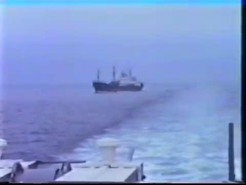 Tàu chiến Nga đâm húc tàu khu trục DD-970 USS Caron Hải quân Mỹ
