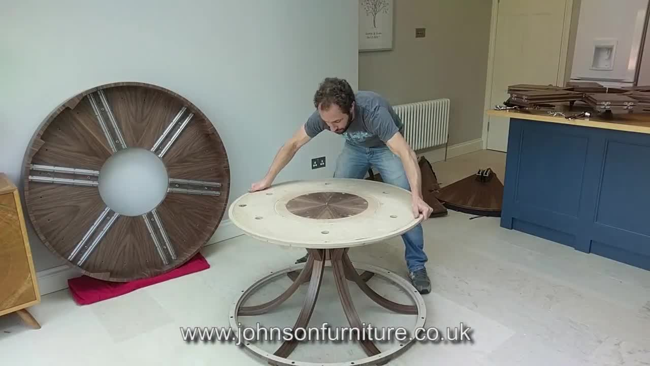 Assembling an Expanding Circular Dining Table