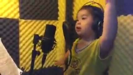 """Clip bé gái 6 tuổi hát bài """"Em yêu ông Park Hang-seo"""" gây sốt CĐM"""