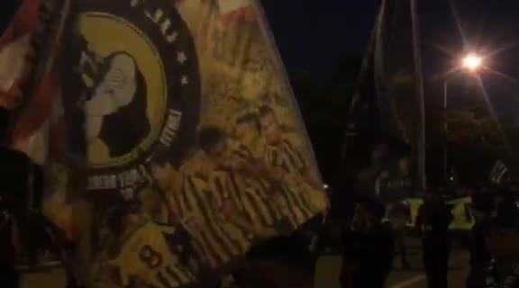 Cổ động viên malaysia tới sân Mỹ Đình