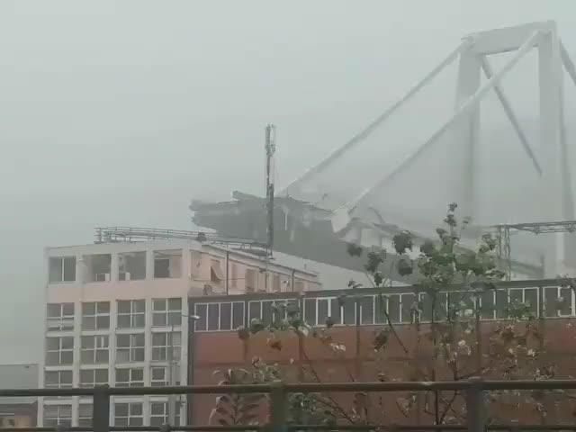 Sập cầu ở Genoa, Italy
