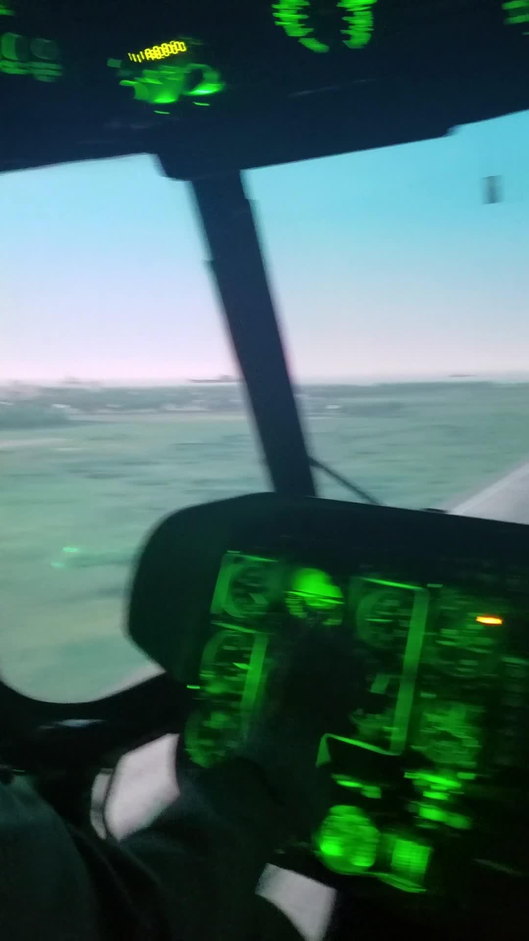 PV Việt Nam duy nhất bay SIM trực thăng hạ cánh trên tàu sân bay Kuznetsov của Nga. Video: Bình Nguyên