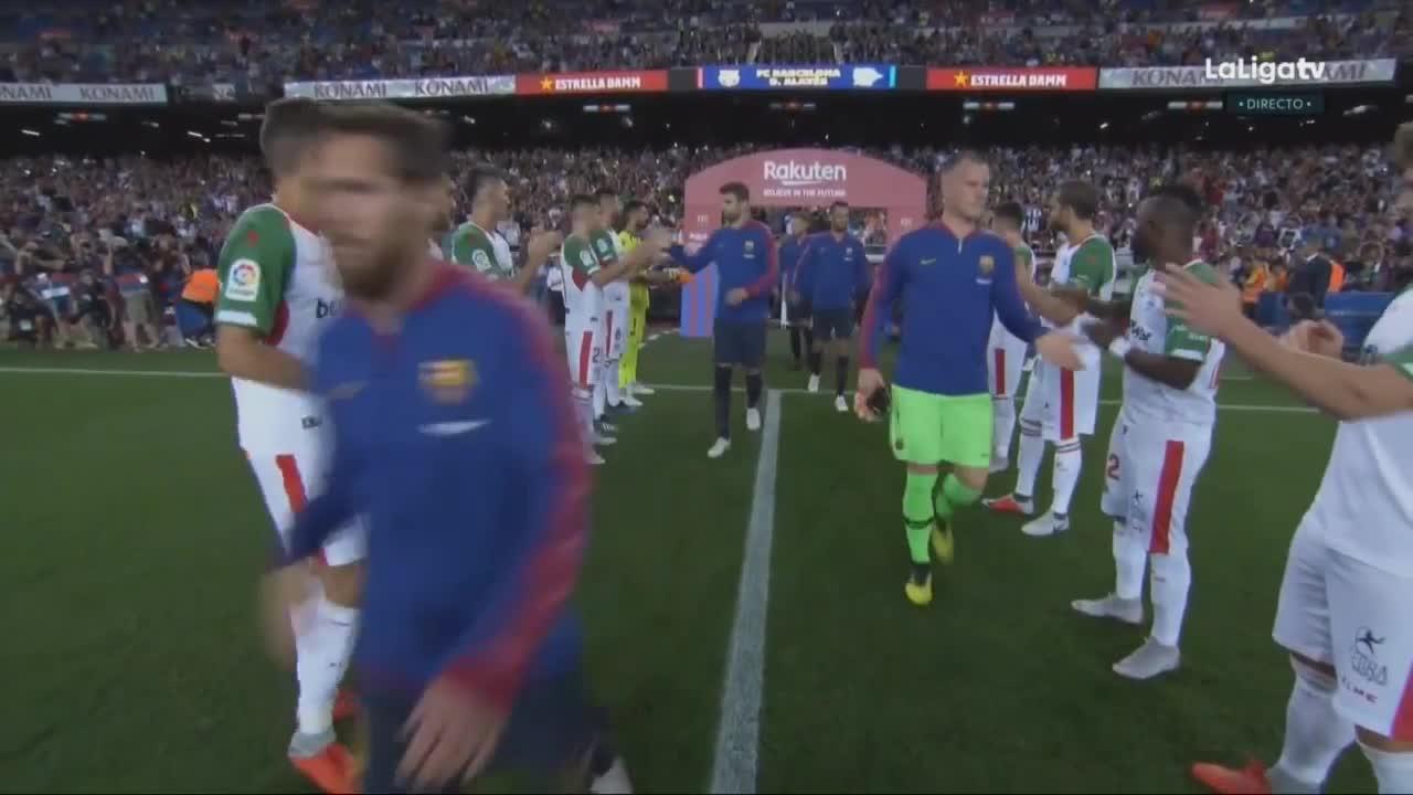La Liga vòng 1: Barcelona 3-0 Alaves