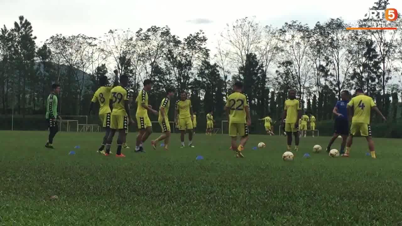 CLB Hà Nội tập luyện trước trận gặp HAGL