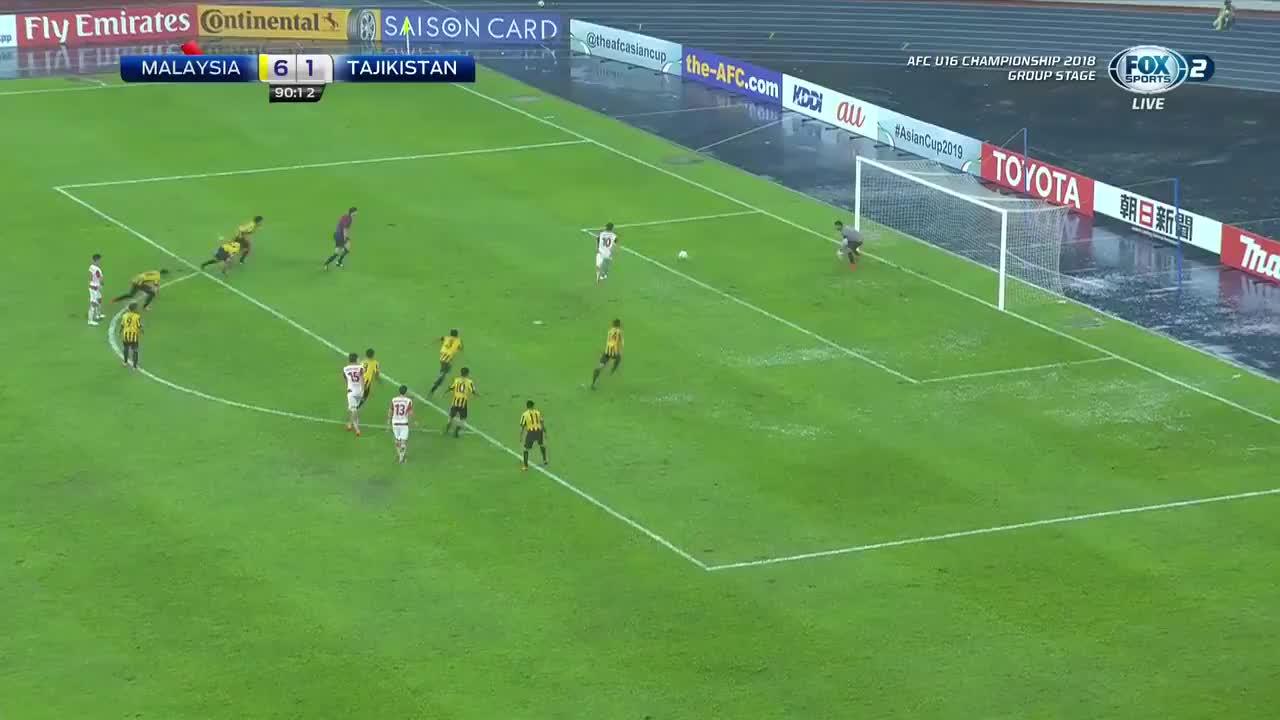 Islom Zairov sút penalty gỡ 2-6 cho U16 Tajikistan