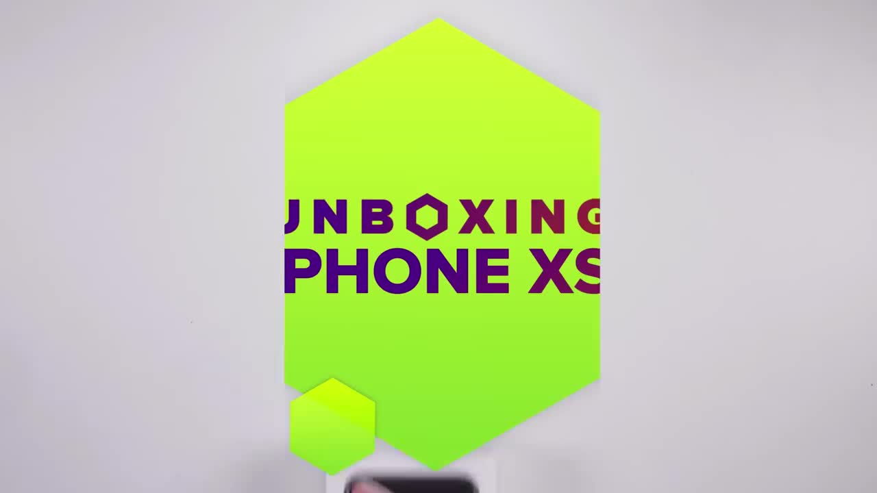 Unboxing the gold iPhone XS