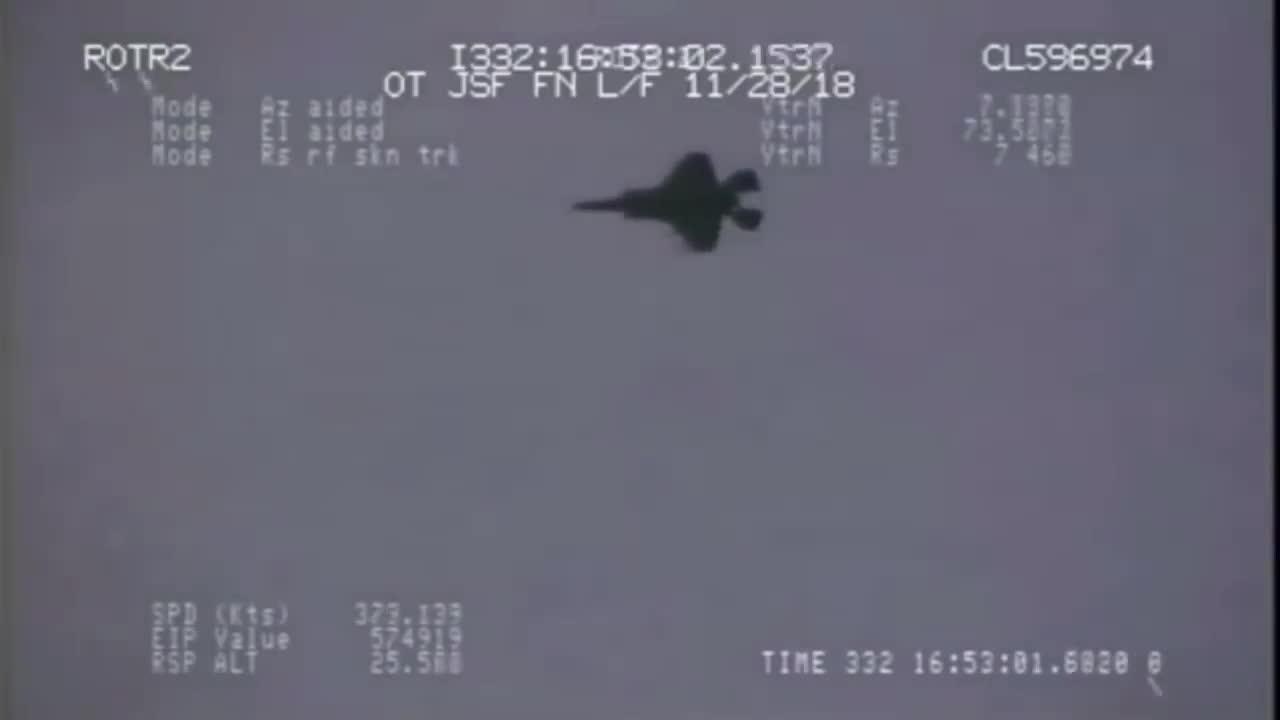 F-35 diễn tập tấn công các mục tiêu trên mặt đất bằng vũ khí chính xác