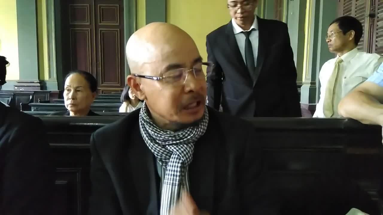 """Ông Đặng Lê Nguyên Vũ nói về vợ: """"Ngồi ở đây là nỗi nhục"""""""