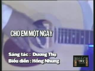 Hồng Nhung vừa hát như nữ trung vừa hát như nữ cao trong ca khúc Cho em một ngày