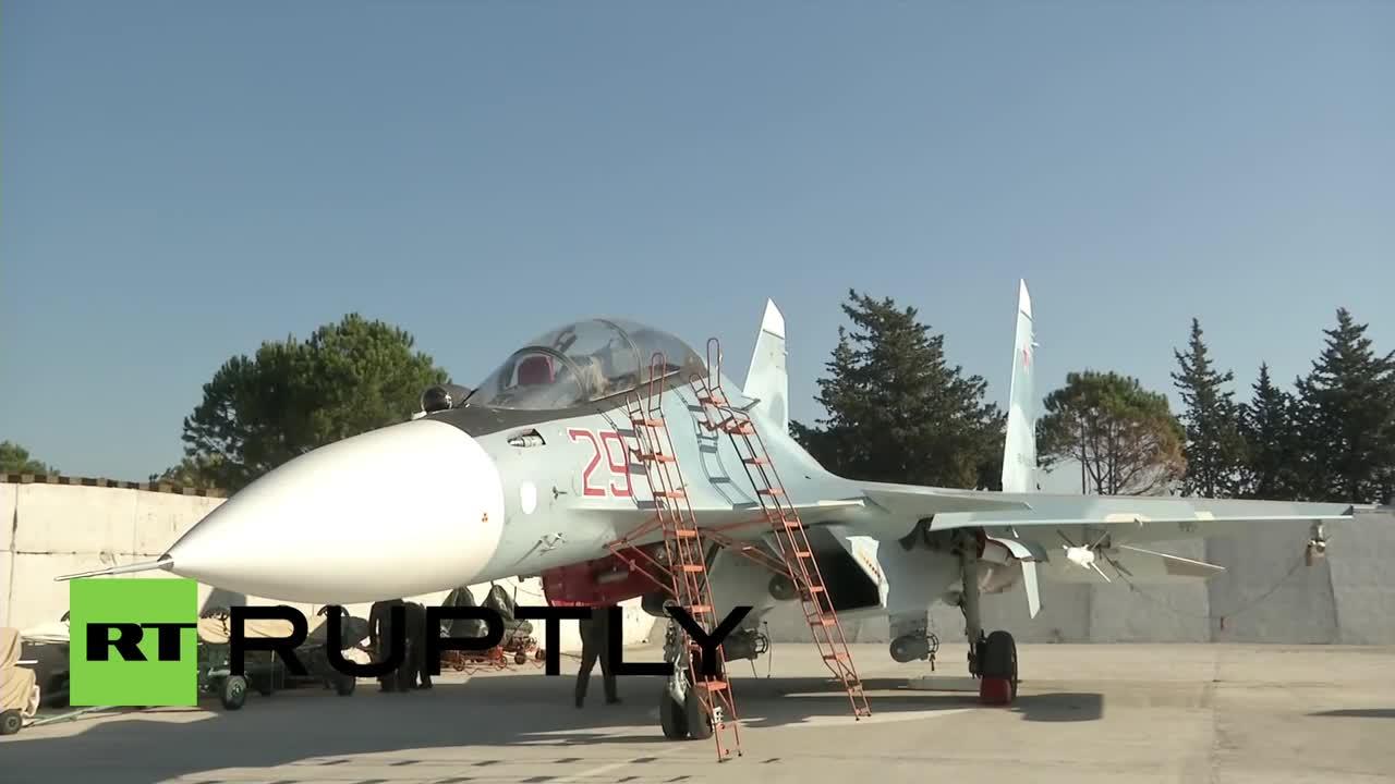Tiêm kích Su-30SM trực chiến ở căn cứ sân bay Khmeimim, Syria
