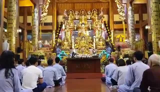"""Trụ trì chùa Ba Vàng đăng đàn trả lời về thông tin """"gọi vong, thu tiền tỷ"""""""
