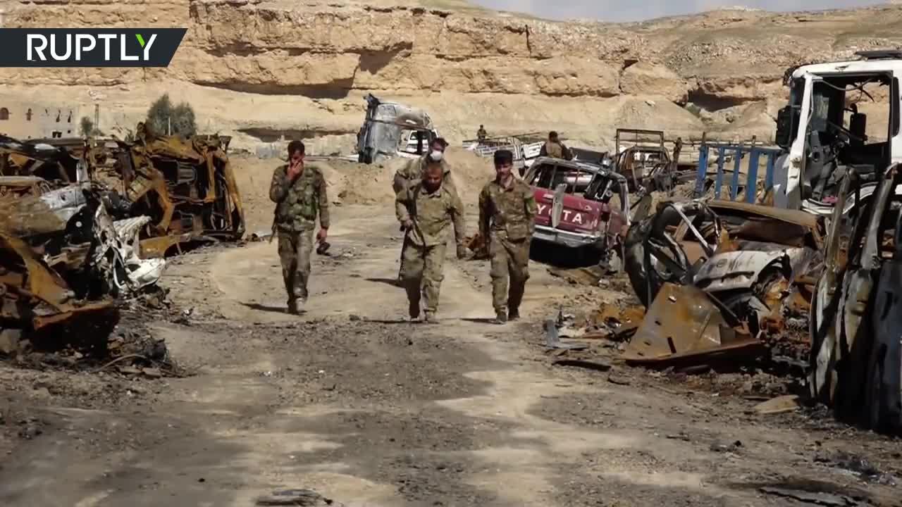 Video những hình ảnh đầu tiên trong trại IS tại làng Baghouz sau khi giải phóng thành công (nguồn: RT)