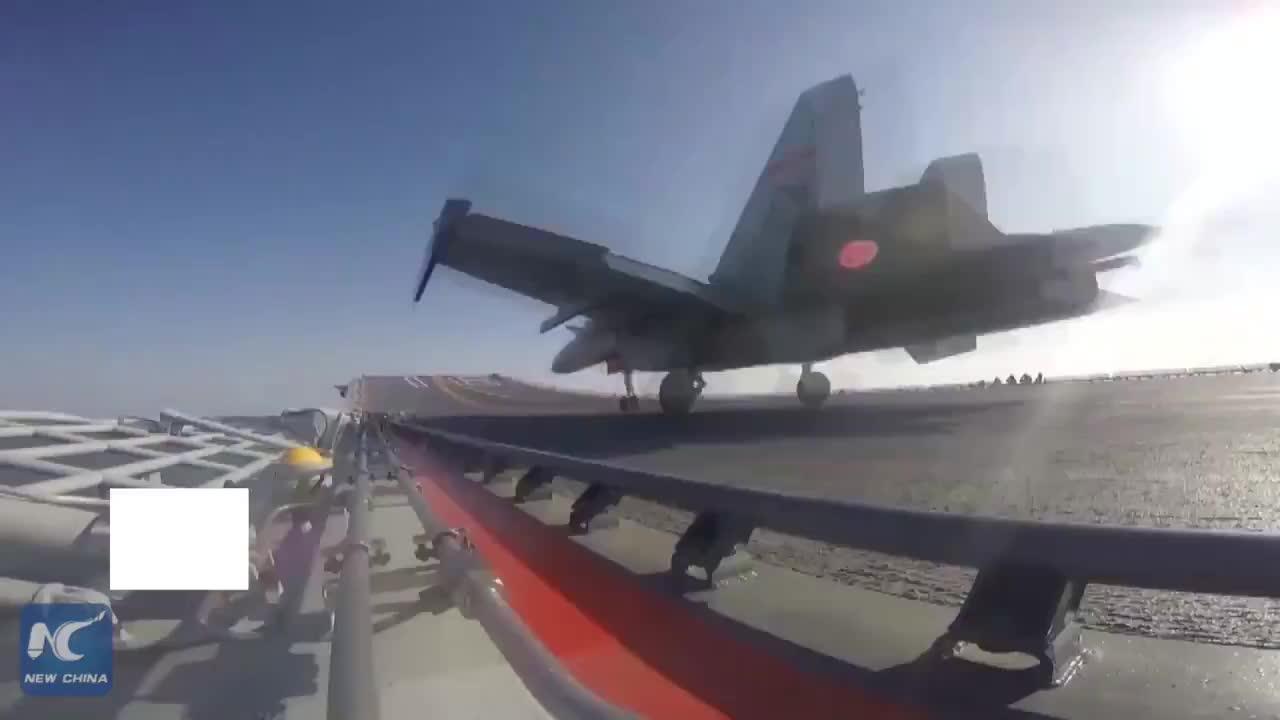 Video của Tân Hoa Xã về máy bay J-15 và tàu sân bay của Trung Quốc ngày 12/4