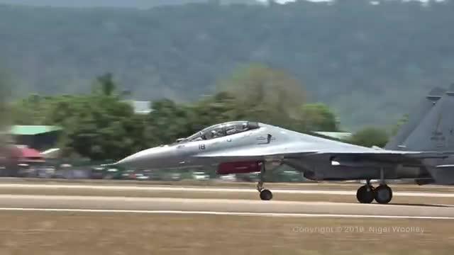 Video Su-30MKM trình diễn tại triển lãm quốc phòng LIMA 2019